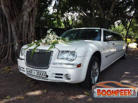 Chrysler 300 LIMOUSINE Car For Rent