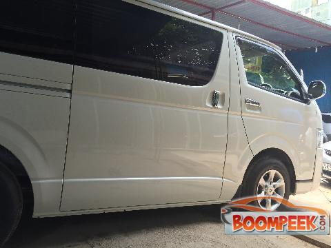 caed68558c Toyota HiAce KDH201 Van For Rent In Sri Lanka - Ad ID   CR00001312 ...