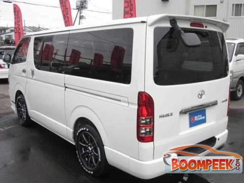 8a725adccb Toyota HiAce KDH201 Van For Rent In Sri Lanka - Ad ID   CR00002984 ...