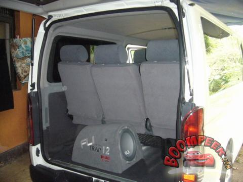 Toyota HiAce KDH200 Van For Sale