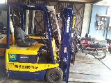 2000 KOMATSU 1 TON ELECTRIC FB10 ForkLift For Sale.