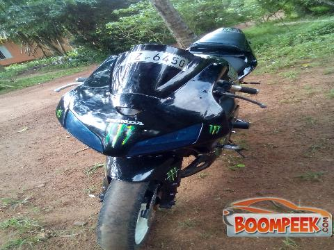 Honda -  CBR250RR mc 110 Motorcycle For Sale
