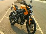 2014 Bajaj Pulsar 200 DTS - i Motorcycle For Sale.